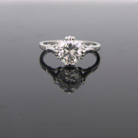 Solitaire Diamond 18kt Gold Ring