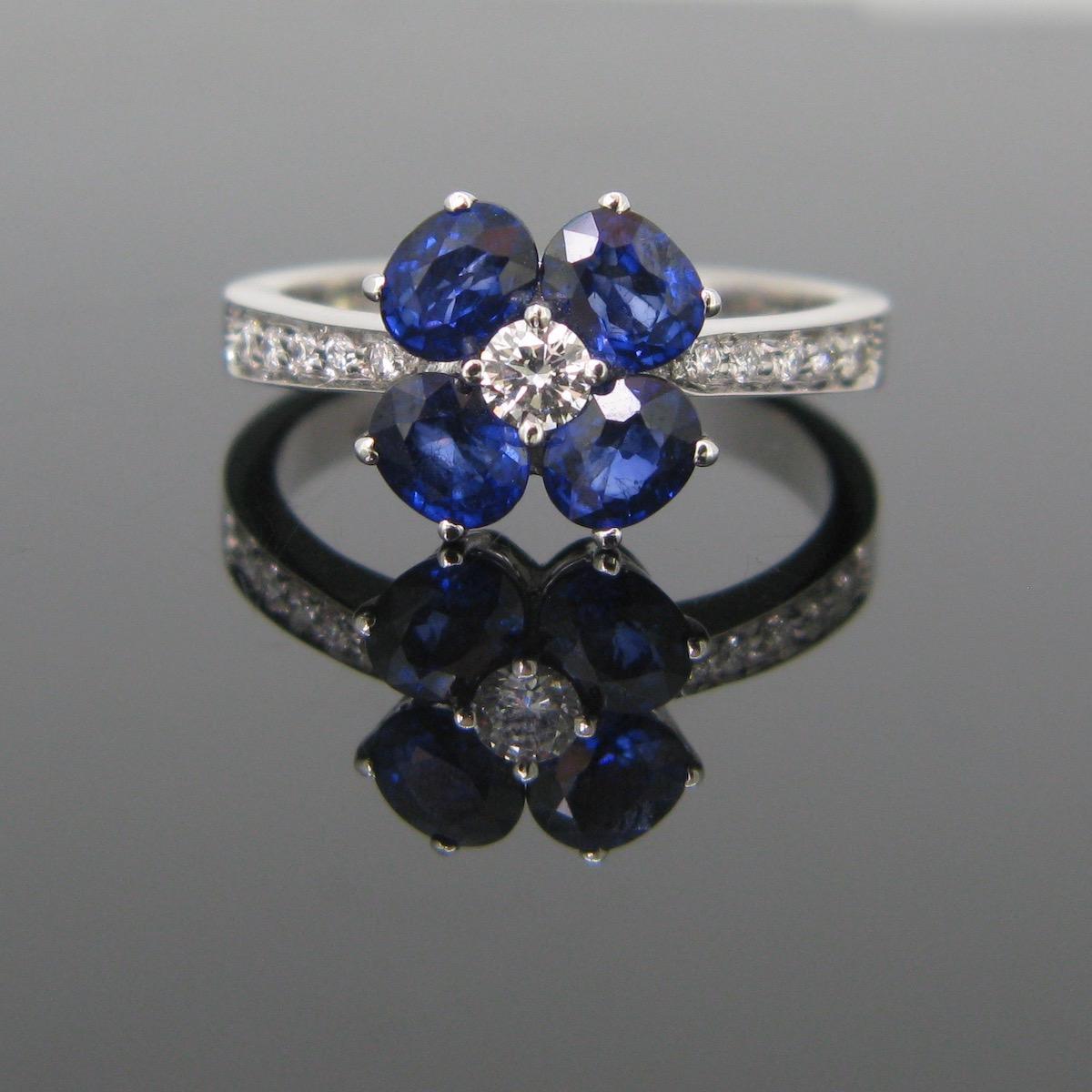 Flower 4 Sapphires Diamonds Ring
