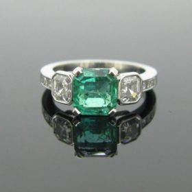 Colombian Emerald Diamonds Ring