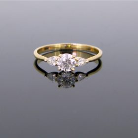 Ravishing 3 Diamonds Ring