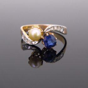Antique Toi et Moi Sapphire & Pearl Ring