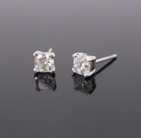 Radiant Cut Diamonds Studs