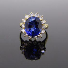 Tanzanite & Diamonds Cluster Ring