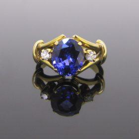Tanzanite & Diamonds Ring