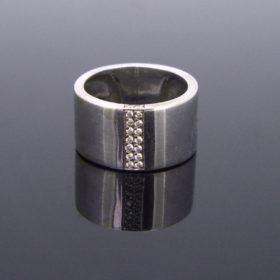 Large Band Diamonds Ring