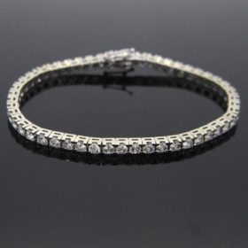 Brilliant Cut Diamonds Tennis Bracelet