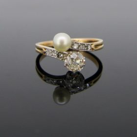 Antique Toi et Moi Pearl & Diamonds Ring