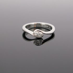Modern Solitaire Oval Diamond Ring