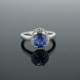 Cushion Ceylan Sapphire & Diamond Cluster Ring