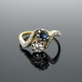 Edwardian Toi et Moi Sapphire & Diamond Ring