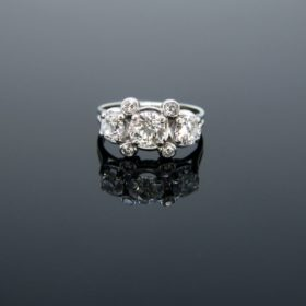 Vintage Three Stones Diamonds Ring