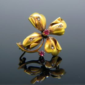 Art Nouveau Ruby and Rose Cut Trefoil Brooch