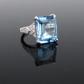 7.51ct Aquamarine And Diamonds Ring