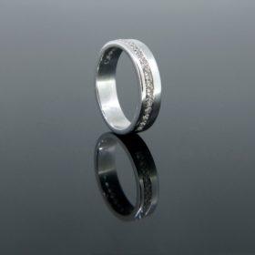 Vintage Diamond Line Band Ring