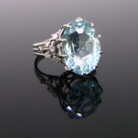 Retro 12,20ct Aquamarine Diamonds Ring
