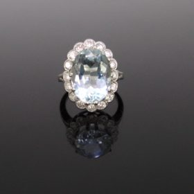 5,60ct Aquamarine and Diamonds Cluster Ring