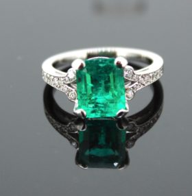 2.83ct Colombian Emerald Diamonds Ring