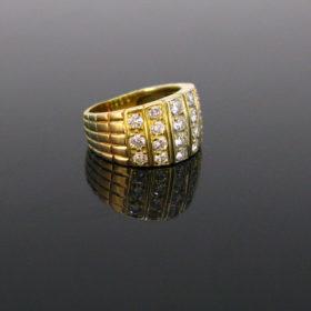 Van Cleef & Arpels Diamonds 3 Gold Ring