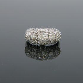 Vintage Three Stone Diamonds Ring