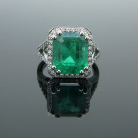 6.14ct Colombian Emerald Diamonds Ring
