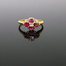 Antique Victorian Ruby Diamonds Ring