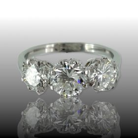 Three Stones 2.20ct Diamonds Trilogy Ring