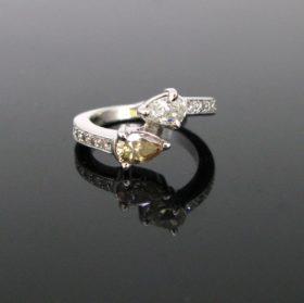 Modern Toi et Moi Pear Shape Diamonds Ring
